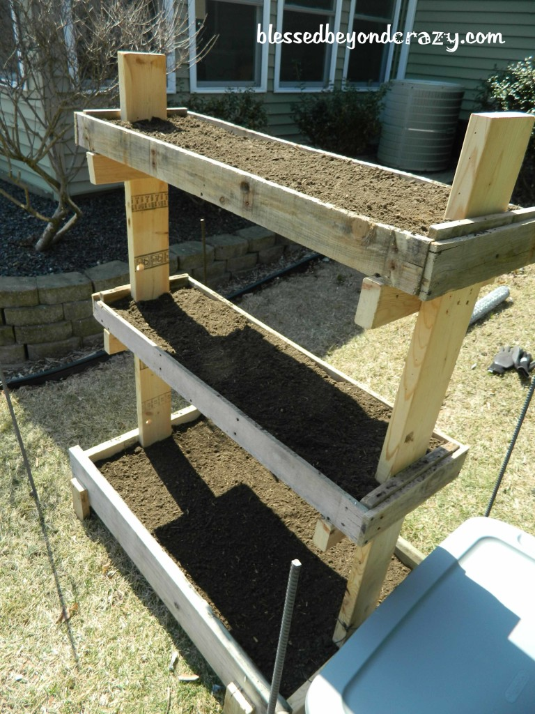 Diy gardening box Pallet ideas
