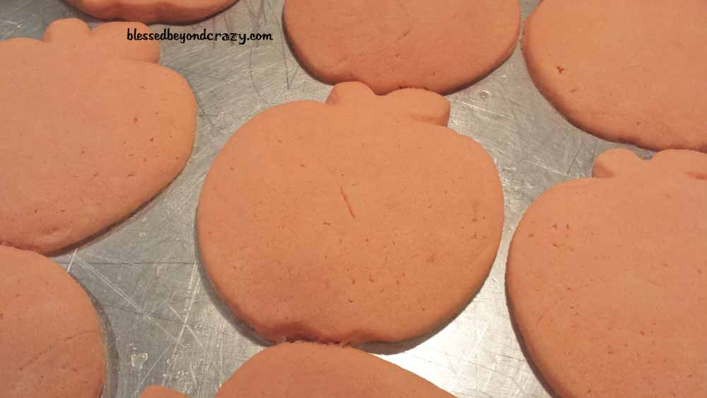 halloween pumpkin sugar cookies5