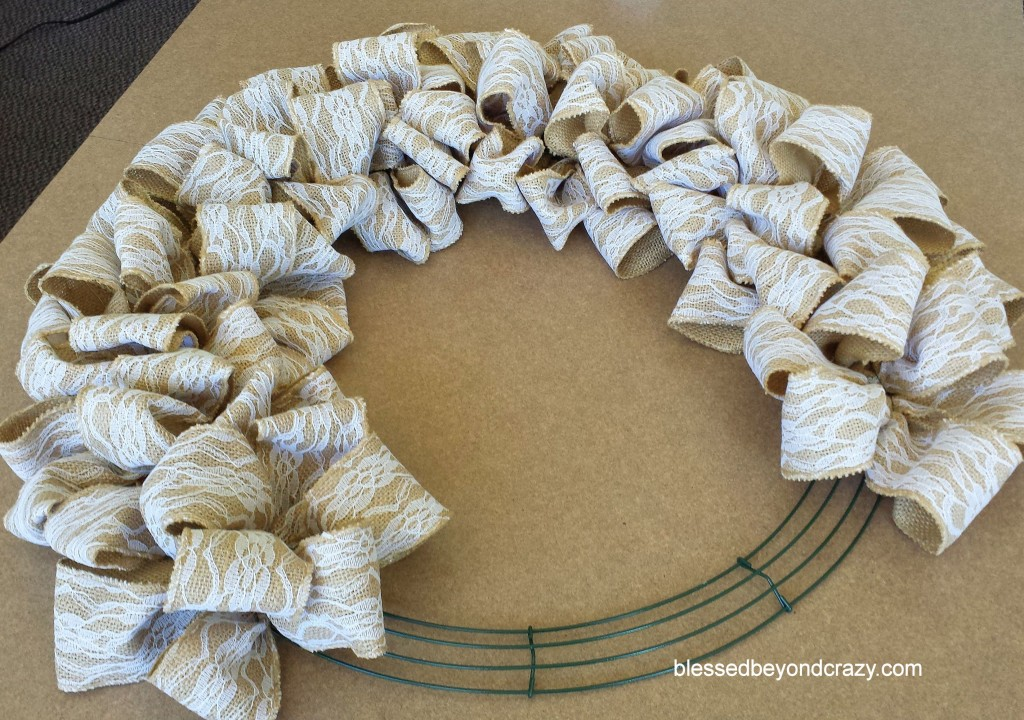 Diy burlap and lace wreath for What to make with burlap
