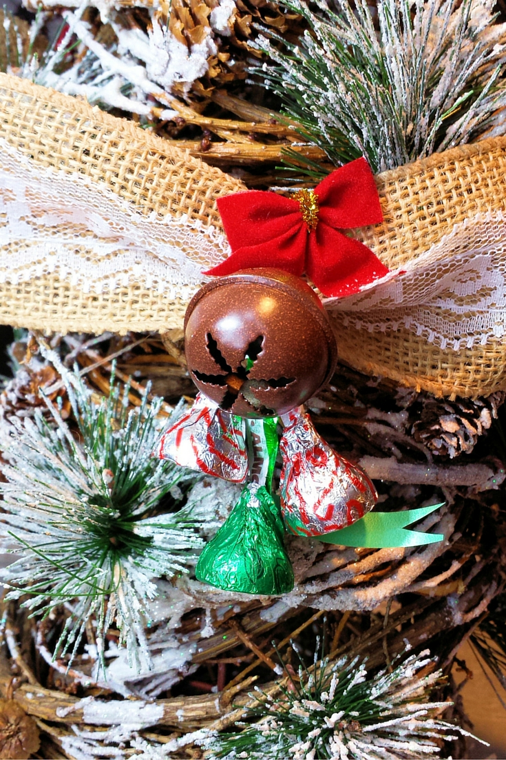 Christmas Kisses Burlap Garland