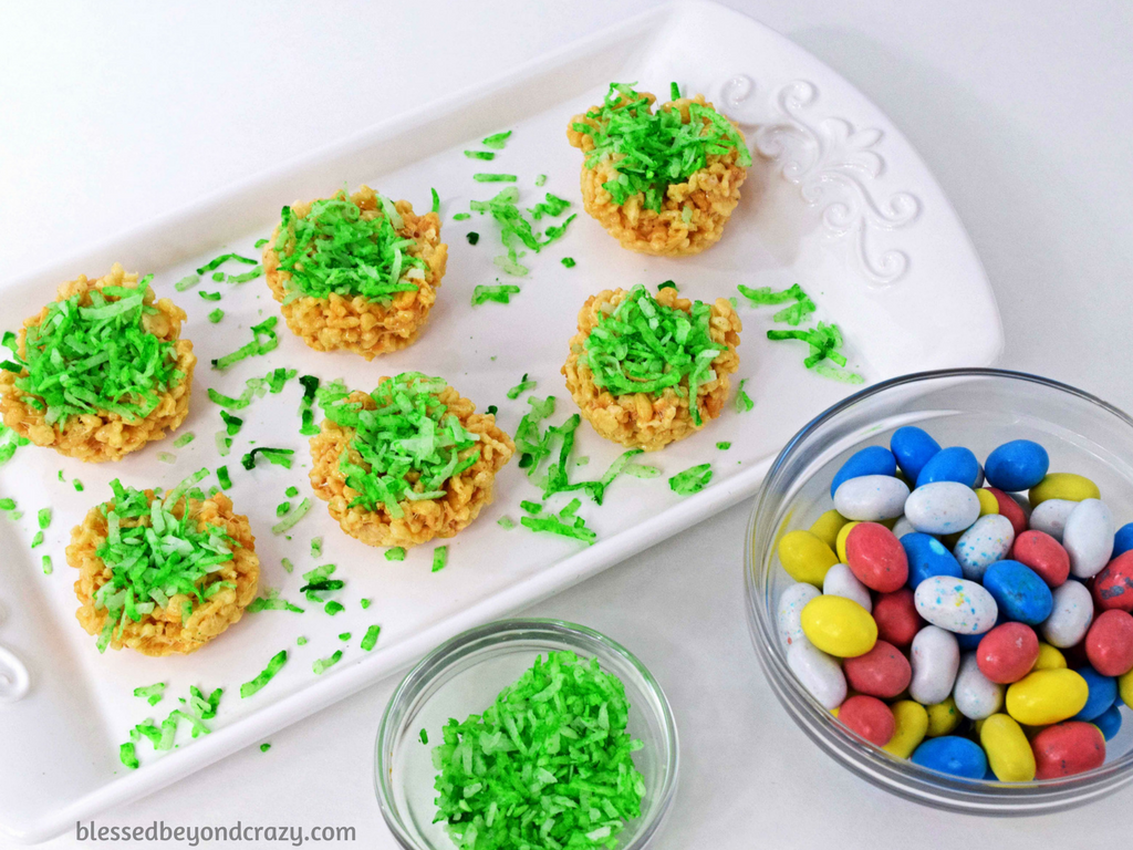 """Adding """"green grass"""" to No-Bake Rice Krispie Easter Egg Nests"""