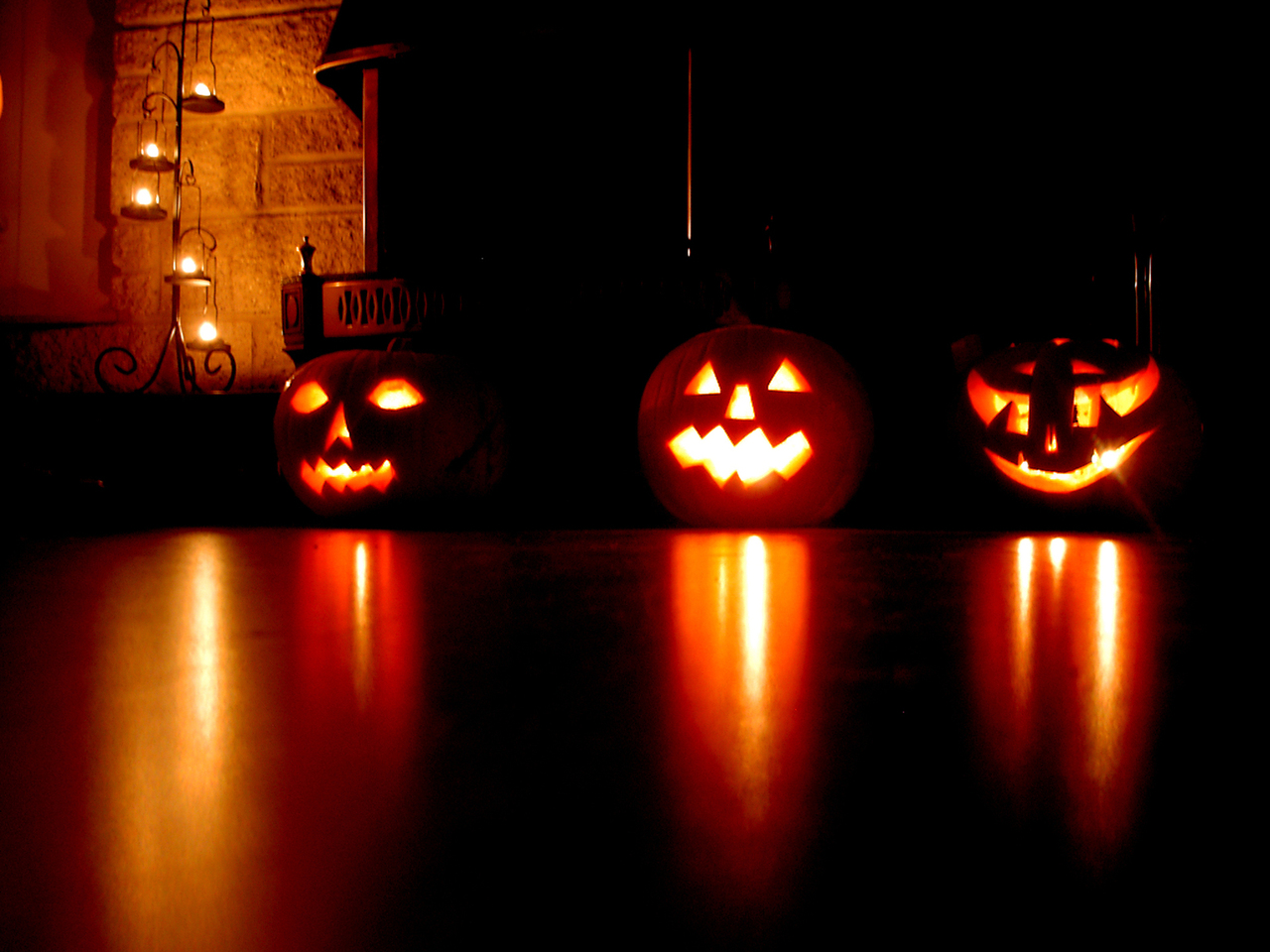 6-mystical-halloween-lighting-ideas 12