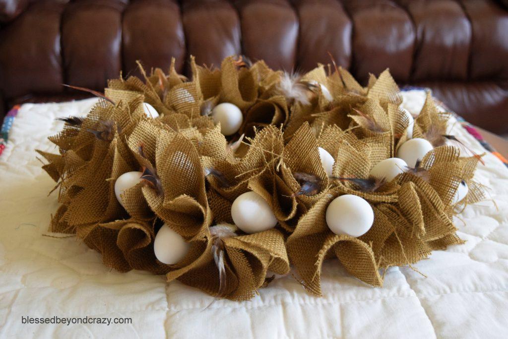 DIY No-Sew Rustic Farmhouse Burlap Eggy Centerpiece