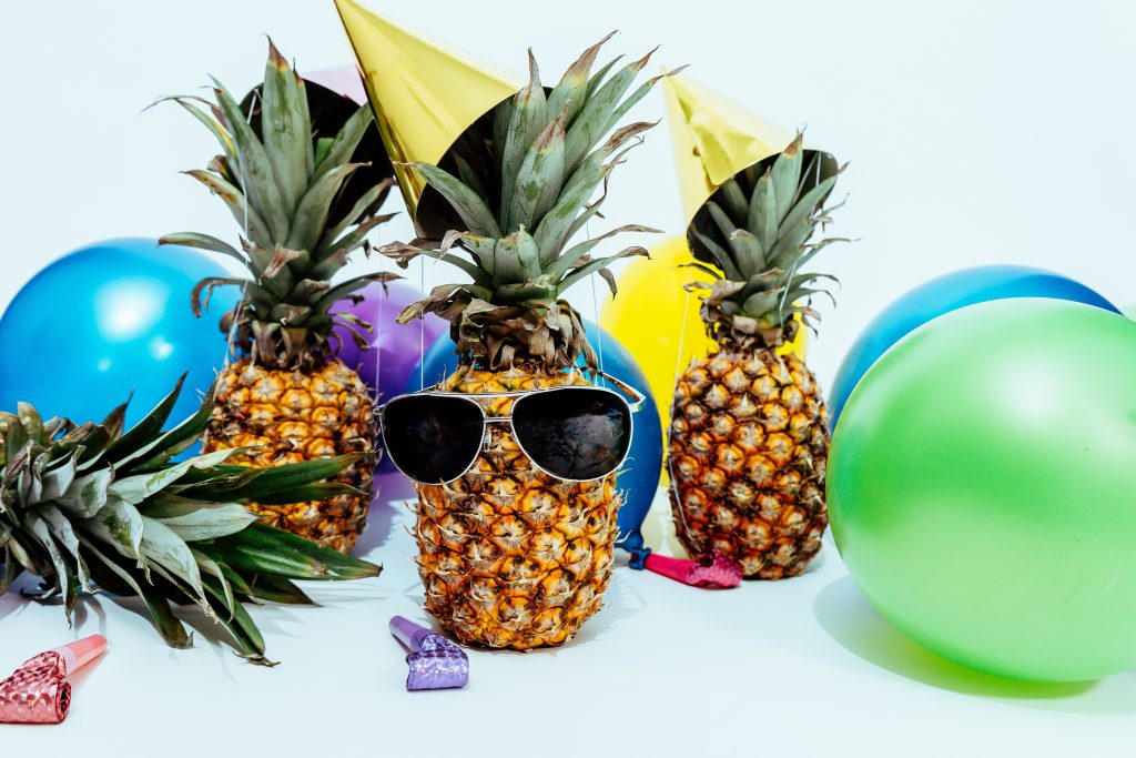 15 Simple DIY Summer Pool Party Tips