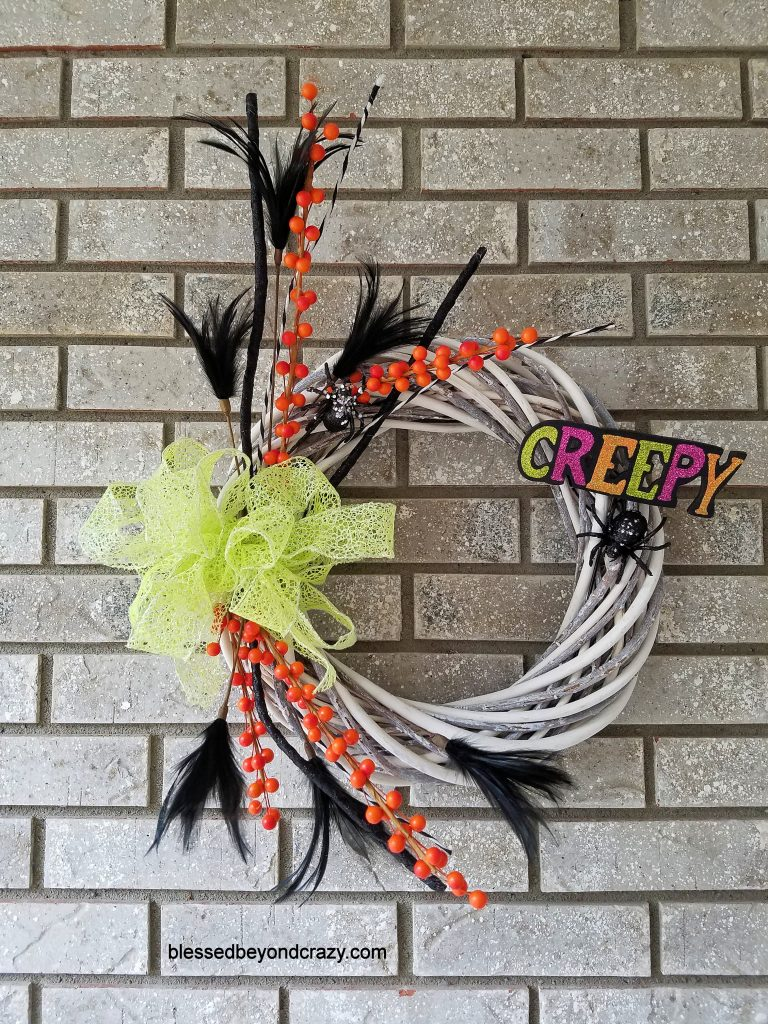 Easy DIY Creepy Halloween Wreath