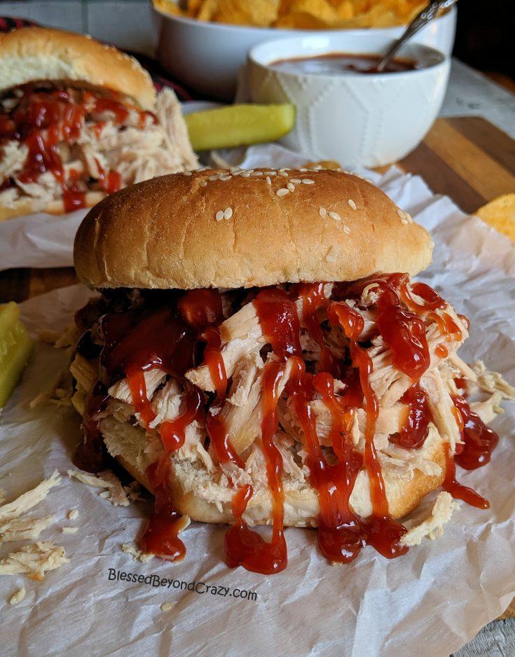 Easy Crockpot BBQ Pulled Pork Sandwiches