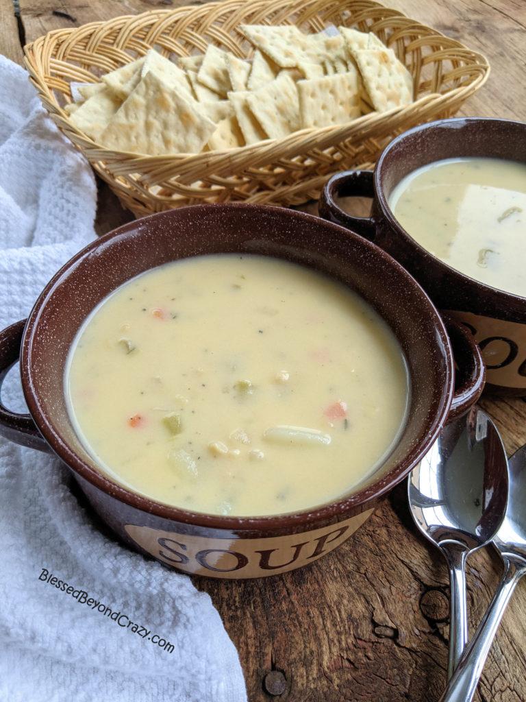 Hot bowl of clam chowder