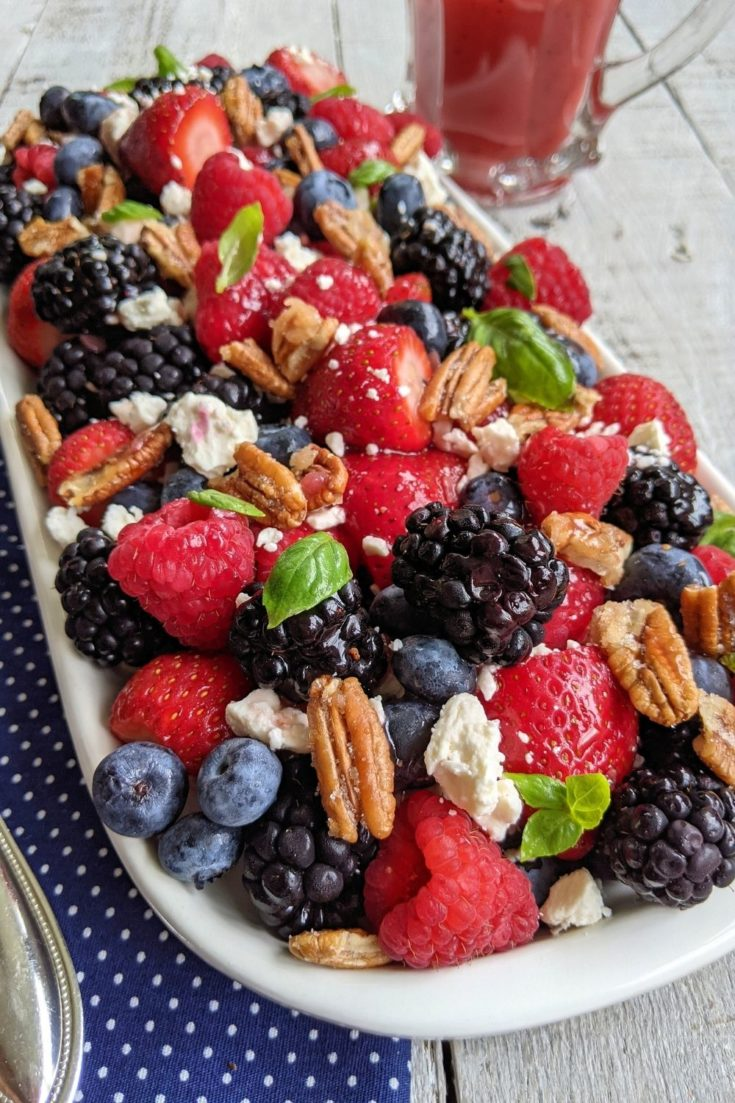 How to Make a Simple Mixed Berry Salad